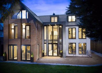Thumbnail 6 bed detached house for sale in Beech Hill, Hadley Wood, Hertfordshire
