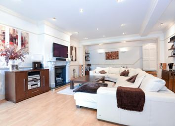 Thumbnail 3 bedroom flat for sale in Langland Gardens, Hampstead NW3,