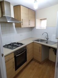 2 bed flat to rent in The Green, Southall UB2