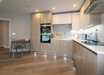 Thumbnail 2 bed flat to rent in Bridge Avenue, Maidenhead