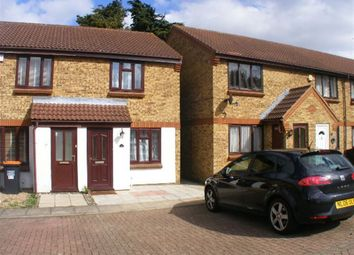 Thumbnail 2 bed property to rent in Highfields Close, Dunstable