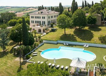 Thumbnail Villa for sale in Viale Trieste, 9, 62100 Macerata MC, Italy