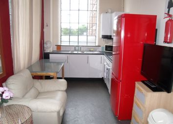 Thumbnail 3 bed flat to rent in Russell Street, Nottingham