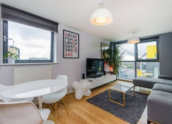 Thumbnail 1 bedroom flat for sale in Millharbour, Canary Wharf