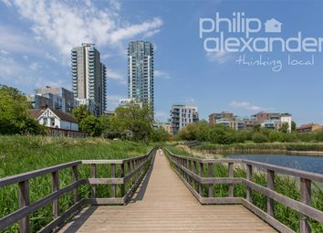 Thumbnail 1 bed flat to rent in Odell House, 16 Woodberry Downs, Finsbury Park
