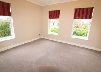 Thumbnail 2 bed flat to rent in Pipit Gardens, Aylesbury