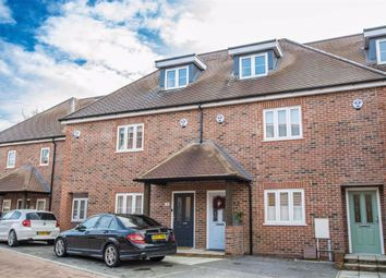 Thumbnail 3 bed town house for sale in Green Close, Brookmans Park, Hertfordshire