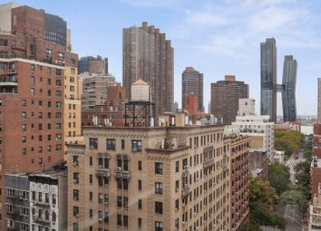 Thumbnail 1 bed apartment for sale in 166 East 35th Street 14D, New York, New York, United States Of America