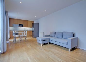 Thumbnail 1 bed flat to rent in Goswell Road, Islington