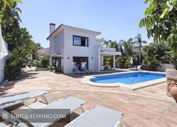 Thumbnail 4 bed villa for sale in Los Monteros, Marbella, Costa Del Sol