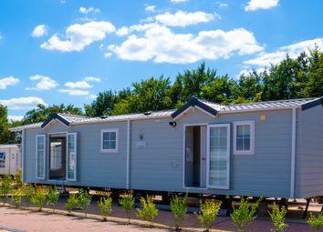 High Halden, Ashford, Kent TN26. 3 bed flat