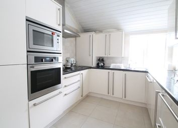 Thumbnail 2 bedroom flat to rent in Purley Park Road, Purley