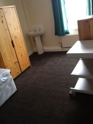 Thumbnail Room to rent in Room, Wakefield, West Yorkshire