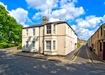 Thumbnail 3 bed flat for sale in Emmanuel Road, Cambridge