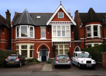 Thumbnail 2 bed flat to rent in Gordon Road, London