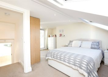 Thumbnail 2 bedroom flat for sale in Earlsfield Road, Wandsworth, London