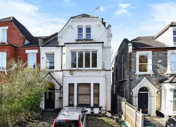 2 bed flat for sale in Station Road, Finchley N3