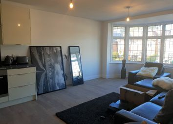 Thumbnail 2 bed flat to rent in Kingsgate Avenue, Finchely