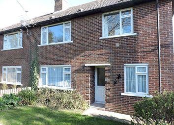 2 bed flat to rent in Gosport Road, Fareham PO16