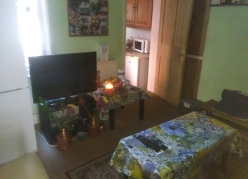 Thumbnail 2 bedroom detached house to rent in Henry Street, Reading