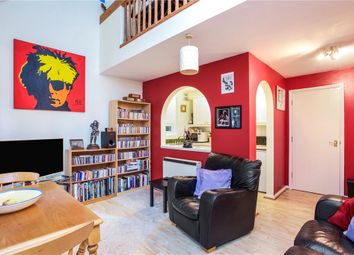 2 bed flat for sale in Alexandra Gardens, Knaphill, Woking GU21