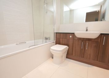 Thumbnail 1 bed flat to rent in 6 Zenith House, Cheapside, Reading