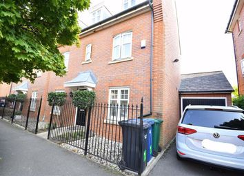 Thumbnail 4 bed town house to rent in Cheldon Avenue, London