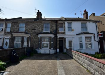 Thumbnail 1 bedroom flat to rent in Hayes Road, Clacton-On-Sea, Essex