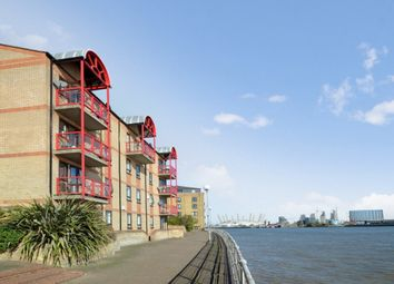Caledonian Wharf, London E14. 2 bed flat