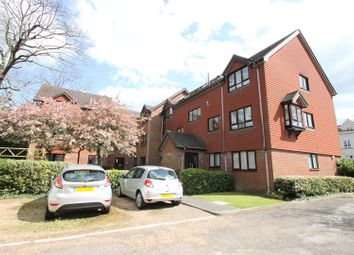 Thumbnail 1 bedroom flat for sale in North Parade, Horsham