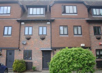 4 bed terraced house to rent in Linden Chase, Linden Grove, Canterbury CT2
