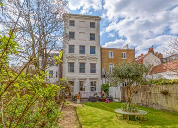 Marine Parade, Brighton BN2. 3 bed flat for sale