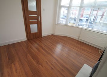 Thumbnail 3 bed property to rent in Elmore Road, Luton