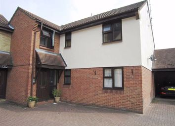 1 bed flat to rent in Wood Green, Basildon, Essex SS13