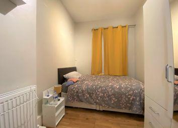 Thumbnail Flat to rent in Aldrington Road, London