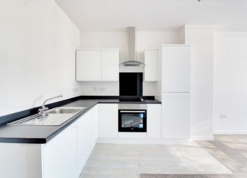 Thumbnail 2 bedroom flat to rent in Victoria Avenue, Southend-On-Sea
