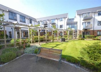 Thumbnail 2 bed property for sale in South Lake Crescent, Woodley, Reading