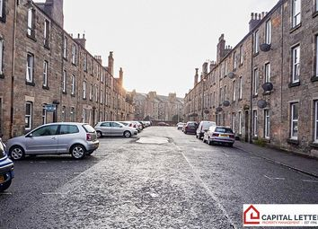 Thumbnail 2 bed flat to rent in Bruce Street, Stirling