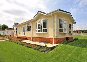 2 bed mobile/park home for sale in Wyatts Covert, Denham, Uxbridge UB9
