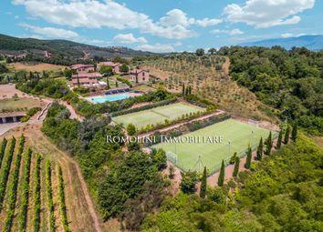 Thumbnail Farm for sale in Arezzo, Tuscany, Italy