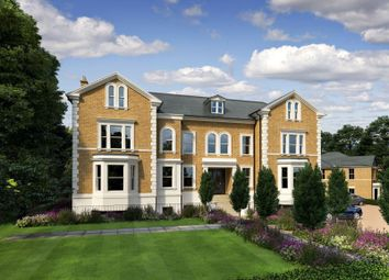 Church Road, East Molesey KT8. 2 bed flat for sale