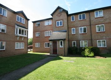 2 bed flat to rent in Wedgewood Road, Hitchin SG4