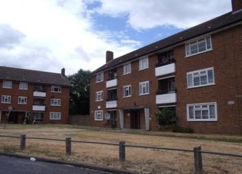 3 bed flat to rent in Suffolk Road, Newbury Park IG3