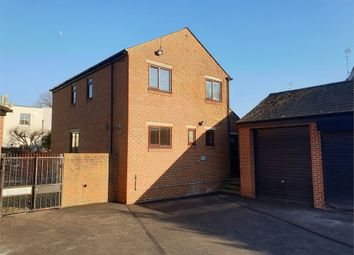 3 bed detached house to rent in Newent Close, Peckham, London SE15