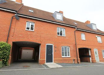 Thumbnail 4 bed link-detached house for sale in Eastwood Park, Great Baddow, Chelmsford, Essex