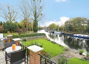 Thumbnail 2 bed flat for sale in Brunstan Court, Hampton Court Road, East Molesey