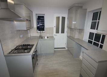 Thumbnail 3 bed flat to rent in High Street, Southgate