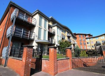 2 bed flat to rent in Quadrant Court, Jubilee Square, Reading, Berkshire RG1