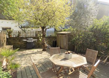Thumbnail 2 bed flat for sale in Landseer Road, London