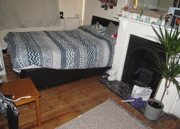 4 bed terraced house to rent in Wykeham Road, Earley, Reading RG6